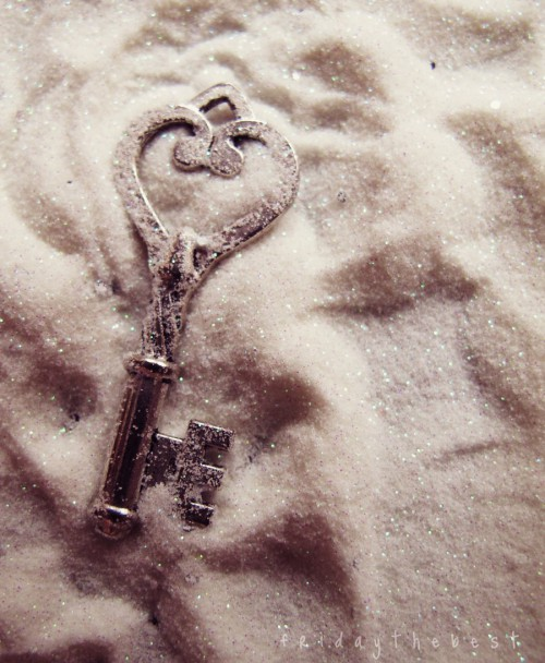 the_key_to_happiness__by_fridaythebest-d3k3nbv.jpg